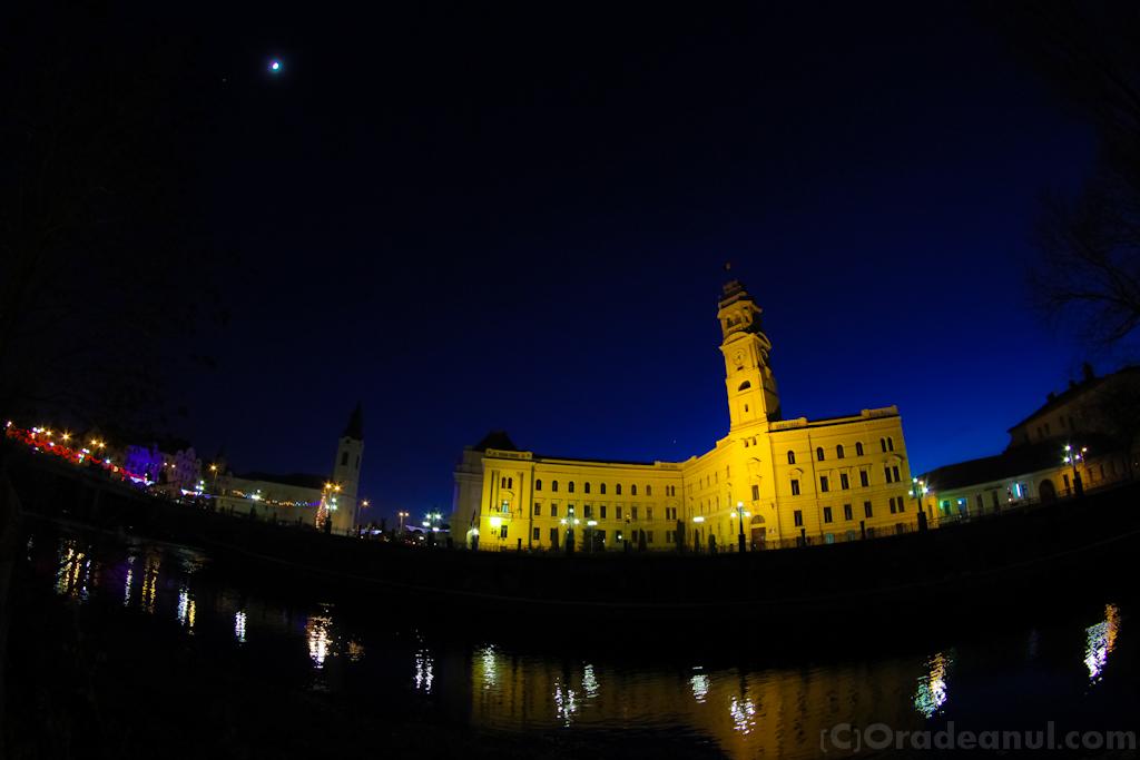 oradea_night_primarie